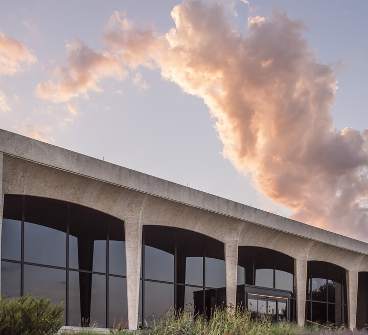 exterior of Amon Carter Museum of American Art at sunset