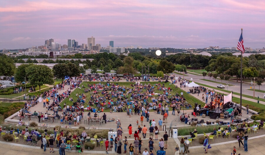 Crowd shot from the roof of the Amon Carter